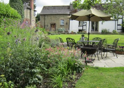 Seating area and planting